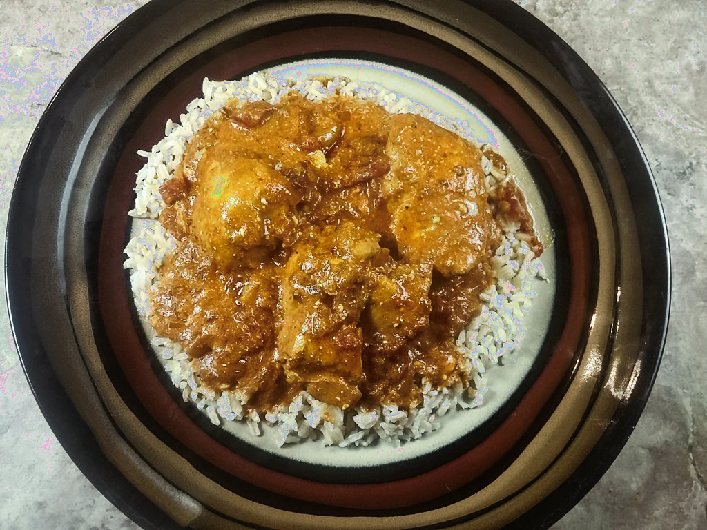 low sodium indian buttered chicken served over rice
