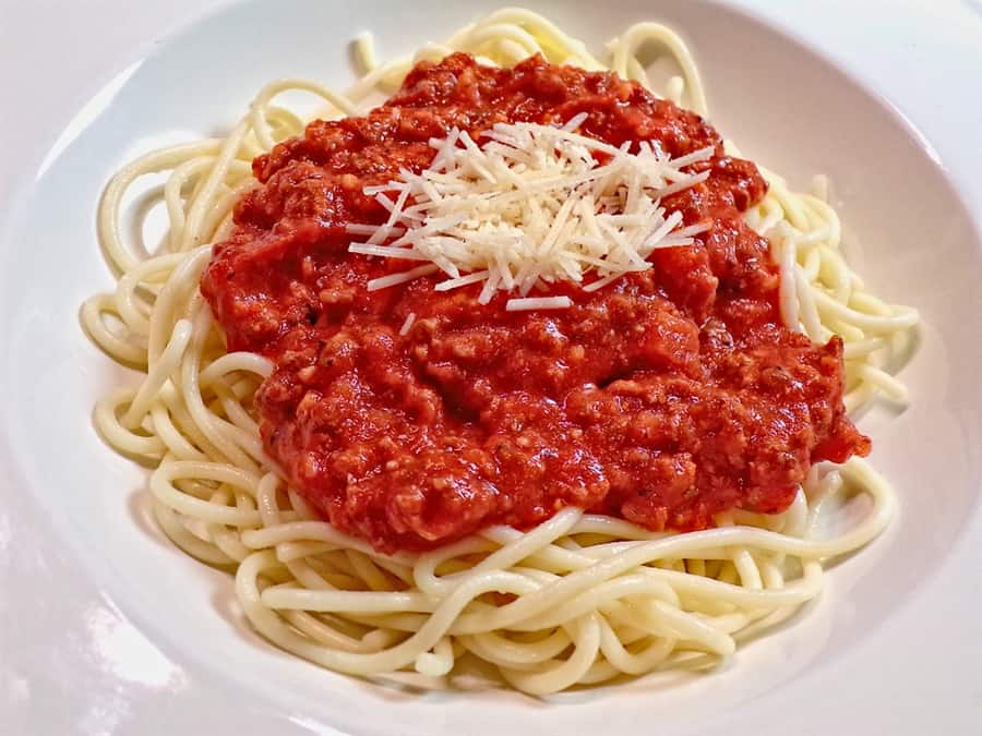 Low sodium meaty spaghetti meal